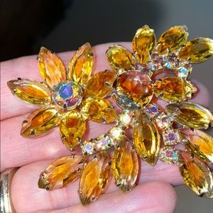 Gold-Tone Brooch With Yellow & Multicolored Stones